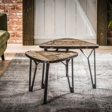 Set de 2 tables basses triangulaires DUBLIN en bois brut